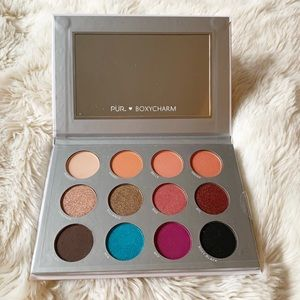 NEW - PUR Eyeshadow Palette w/ Mirror - Boxycharm